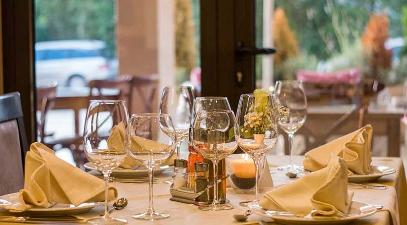 7-Reasons-Why-Your-Restaurant-Business-Needs-A-POS-System